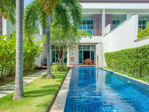 3 Bed Condo with Pool -1093 76