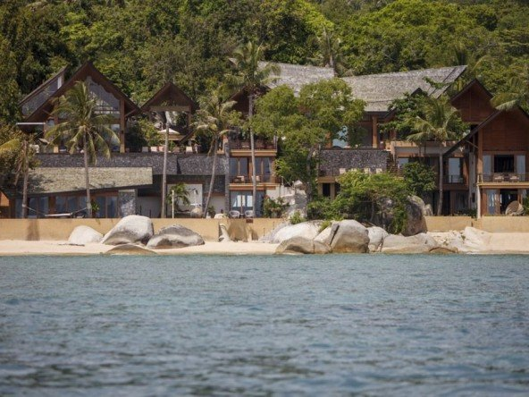DVR335 - Grand Beach Front Villa 124