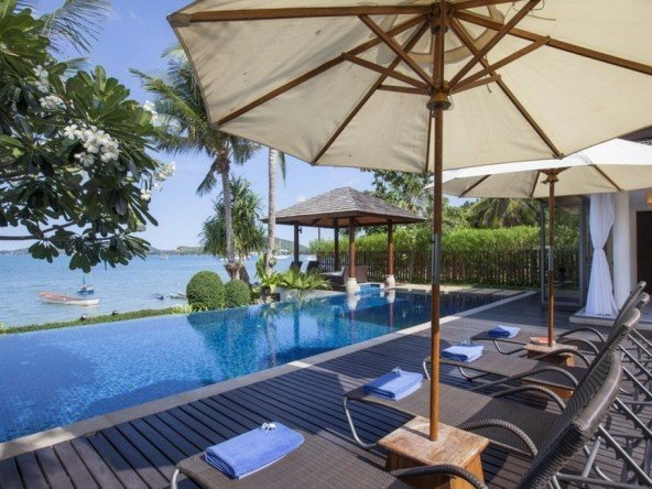 DVR337 - Luxury Beachfront Retreat 48